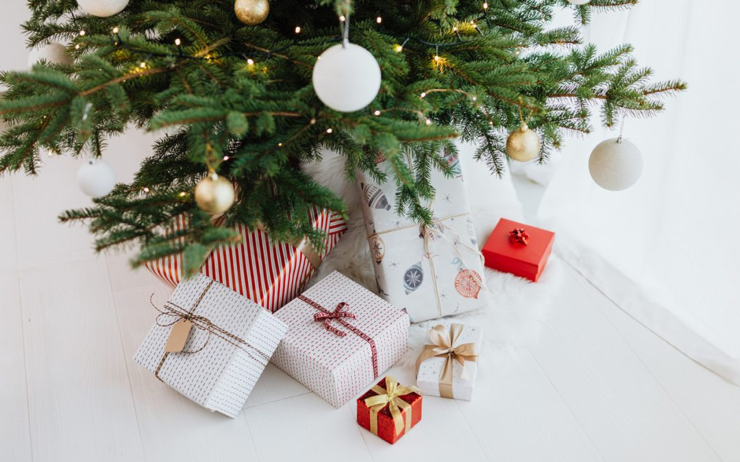 How to Organize Your Christmas List This Year